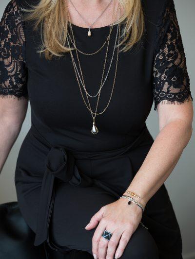 photo-manon-allard-collection-entrepreneure-glamour-mal-or-kara-bijoux-2